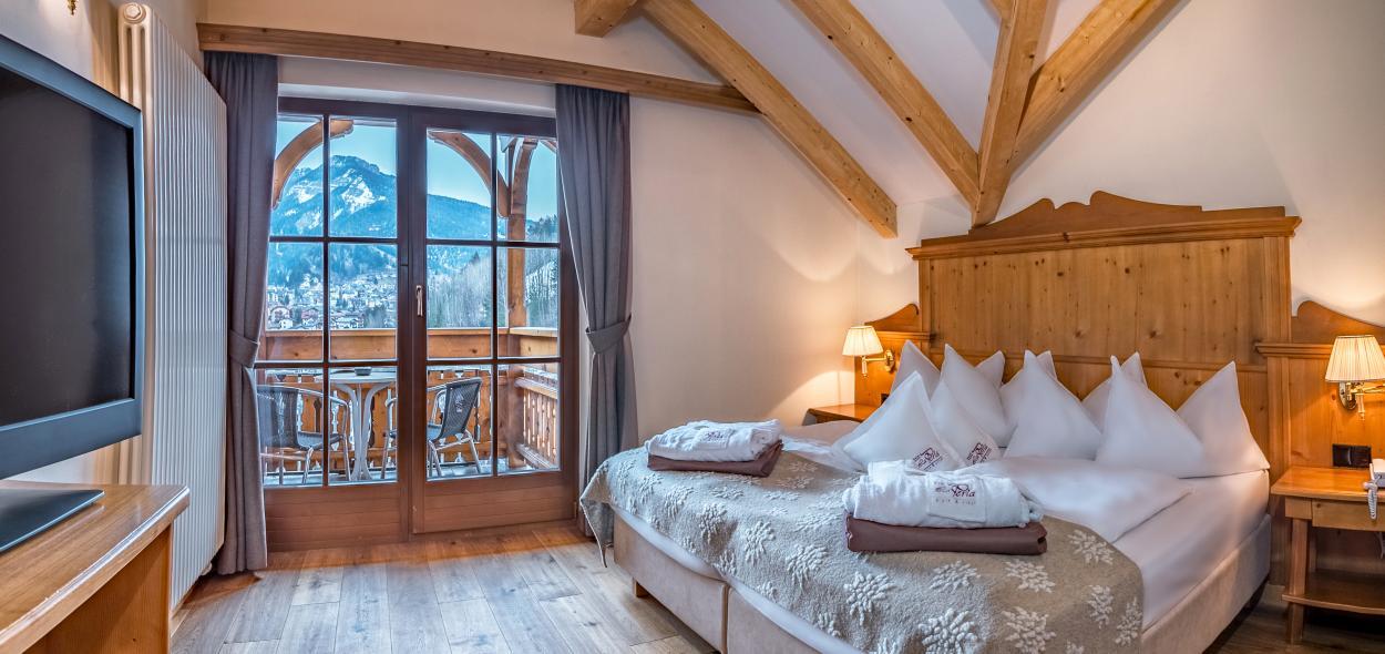 2-room suite