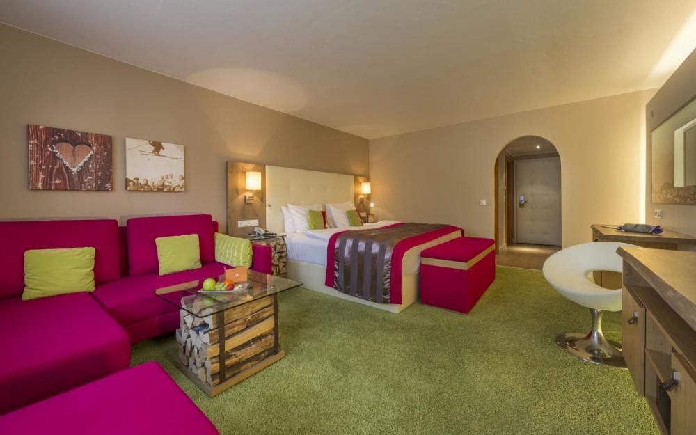 eva,VILLAGE Hotel